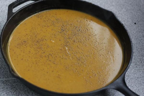 Tekvicový krém s kokosovým mliekom, zázvorom a chilli