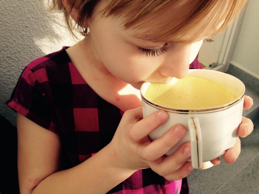 Golden milk – teplé kokosové mlieko s kurkumou